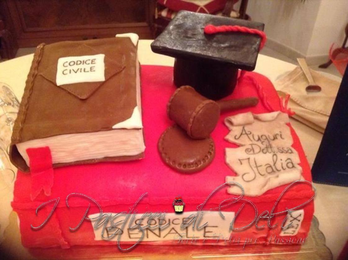 Torte Cake Design Milano : Torta ?Laurea in Giurisprudenza? I Pasticci di Deli